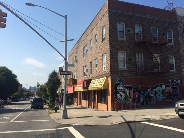 NY,サニーサイドの壁画